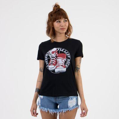T-shirt-Sneakers-Frente-