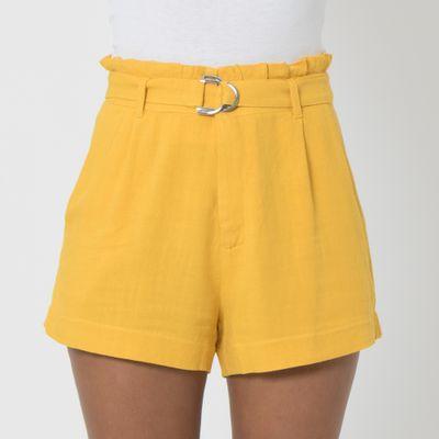 Short-Clochard-Lady-Rock-de-Linho-com-Cinto-Amarelo-Frente