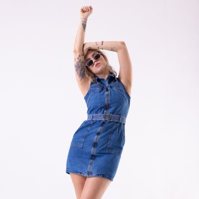 Vestido-Curto-com-Recortes-Lavagem-Escura-Lady-Rock-Ket