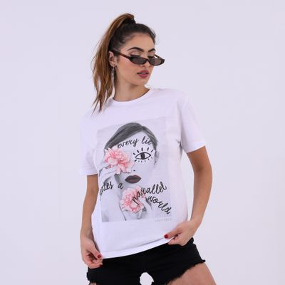 T-Shirt-Ampla-Every-Lie-Branca-Lady-Rock-Frente